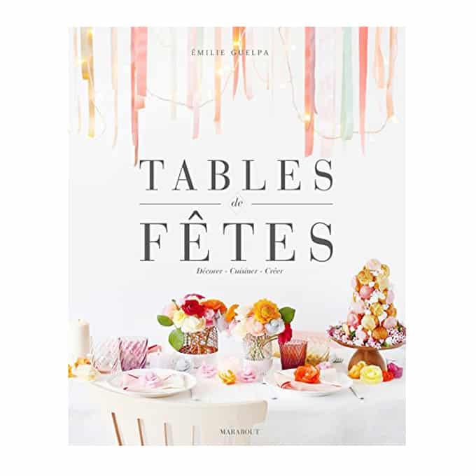 Une vingtaine d'exemples de tables décorées selon des thèmes variés (bohème, printemps, Noël, New York, etc.). Pour chaque table, l'auteure propose une ou deux recettes de cuisine.